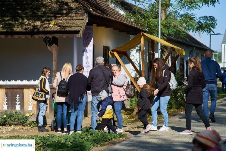 Nagycsaládosok őszi találkozója képekben